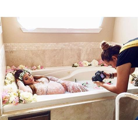 bathtub pregnancy 66 best bain de lait images on pinterest maternity photos maternity session and maternity