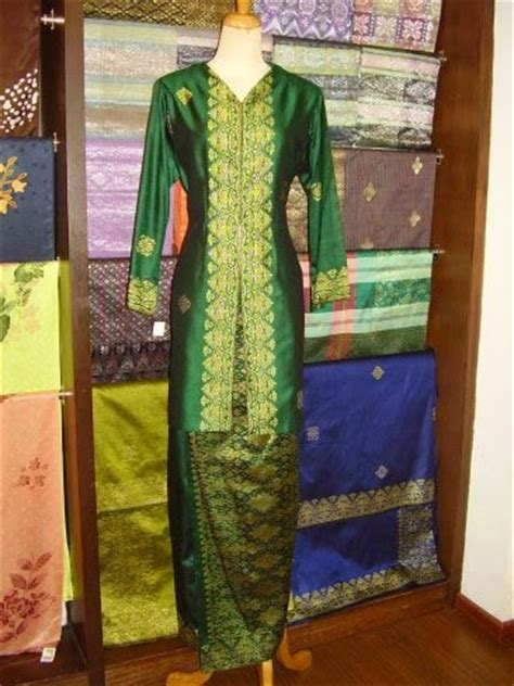 Ciri Ciri Baju Quiksilver Asli kumpulan foto model baju kebaya dan songket trend baju kebaya