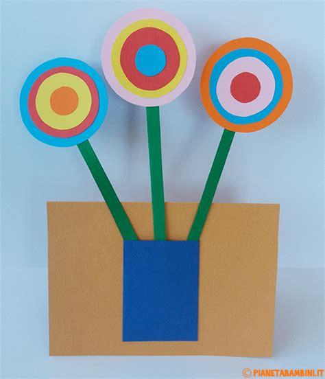 fiori con il cartoncino lavoretti per la festa della mamma fiori e vaso di