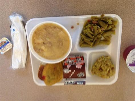 Reel Obama Ob 200 are gross pictures of their school lunches