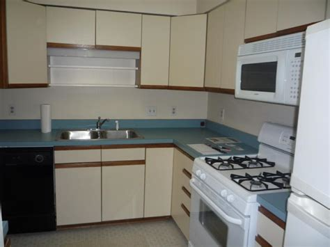 Paint Formica Kitchen Cabinets Painting Formica Cabinets Before And After Roselawnlutheran