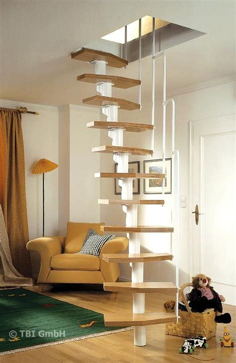 dachboden ausbauen treppe 220 ber 1 000 ideen zu stauraum unter der treppe auf