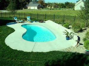 Backyard Inground Swimming Pools 10 Awesome Swimming Pools For Small Backyards Rilane