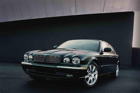 what company makes jaguar cars