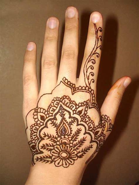 simple indian tattoo designs 2011 arabic simple mehndi design free wallpapers