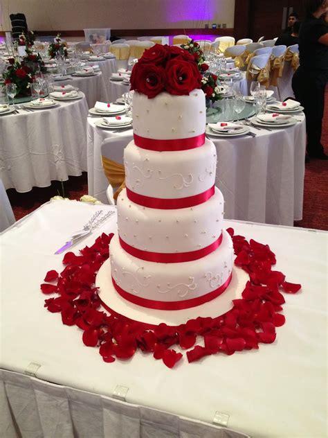 beauty and fashion indian wedding cake