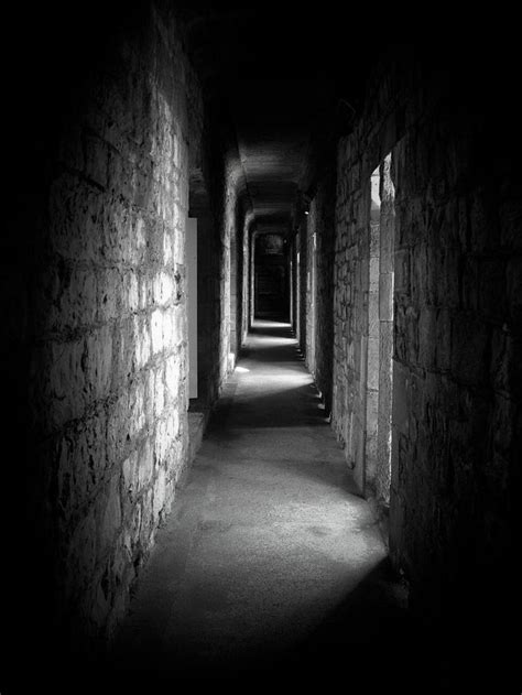 room 606 horror creepy pics creepy corridor by samruiz on deviantart delight abandoned
