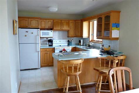 budget kitchen remodeling kitchens under 2 000 before and after kitchen remodels on a budget hgtv