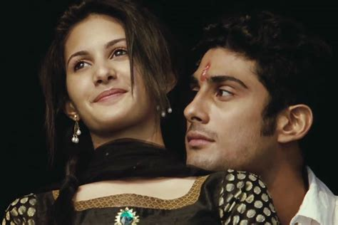issaq is a 2013 hindi romance film directed by manish issaq first look prateik amyra play romeo and juliet