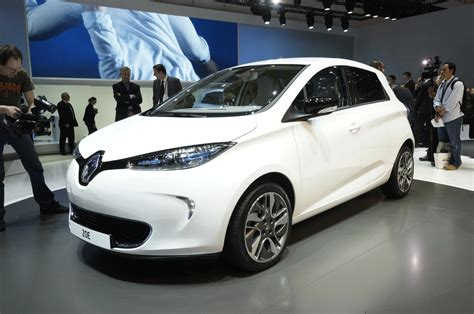 renault zoe electric renault zoe shows its low cost all electric face autoblog
