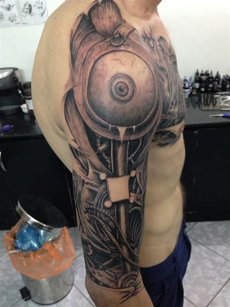 hanoi tattoo artist watch as 35 hours of tattooing turns a man into a machine