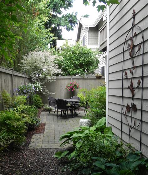 Garden Ideas For Small Space 25 Landscape Design For Small Spaces