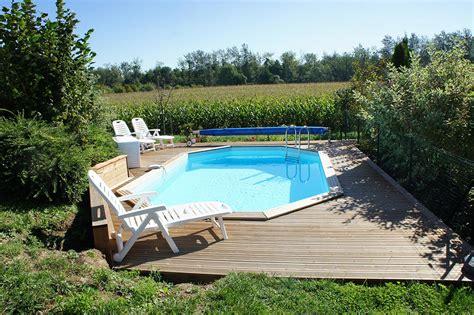 piscine à débordement prix 986 piscine terrain en pente mise en place piscine enterr e