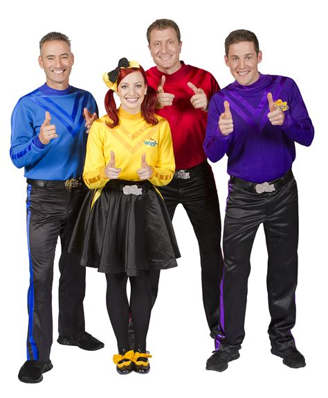 emma watson wiggles born to wiggle interview with yellow wiggle emma