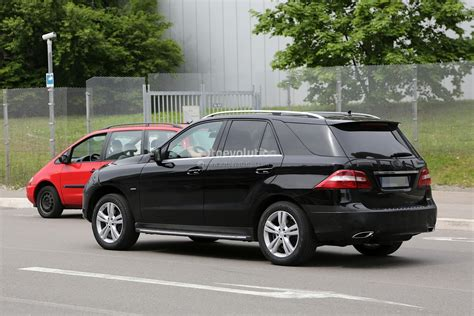 mercedes benz  class facelift  uncovers