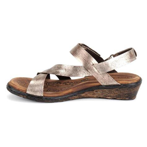 born sandal born women s esmeralda sandals in seda metallic galyshoe