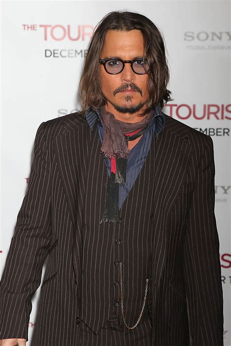 M K Takes Style Cues From Johnny Depp by More Pics Of Johnny Depp S Suit 1 Of 5 Johnny Depp