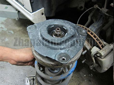 Insulator Support Shock Grand Livina original nissan sylphy latio livina front insulator assy