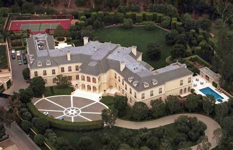 famous hollywood homes there s money in hollywood and these lavish celebrity