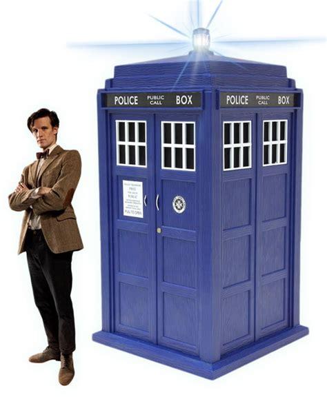 Dr Who Wardrobe Tardis by Diy Tardis Costume With Scissors