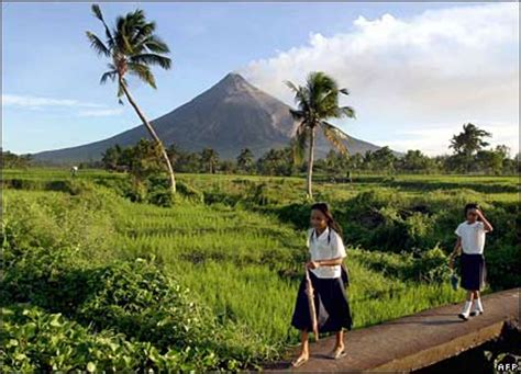 living on the volcano cbbc newsround pictures in pictures philippines volcano