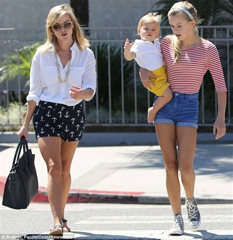Elizabeth Helen Lipstick Ms 7 reese witherspoon out for lunch w and baby