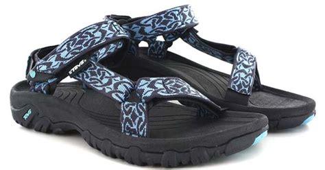 Sepatu Sungai apa yang harus dipakai saat bali rafting yang harus dibawa