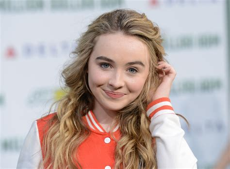 Sabiya Syari 15 sabrina carpenter hd wallpapers background images