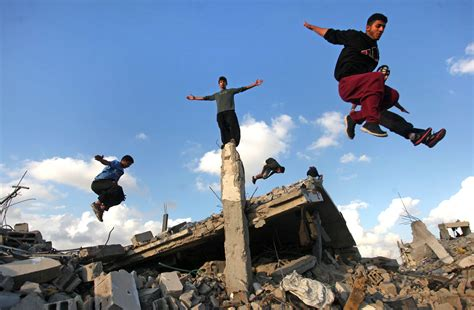 Do A by Footage Shows Palestinian Doing Parkour