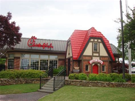 dwarf house atlanta georgia s rome office of tourism chick fil a dwarf house