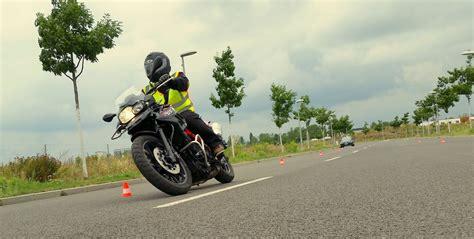 Grundfahraufgaben Motorrad A2 by Motorradf 252 Hrerschein Fahrschule Glowalla