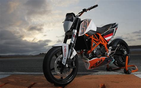 Ktm 690 Duke Price Malaysia Limited Edition Ktm 690 Duke Track Launched Mcn