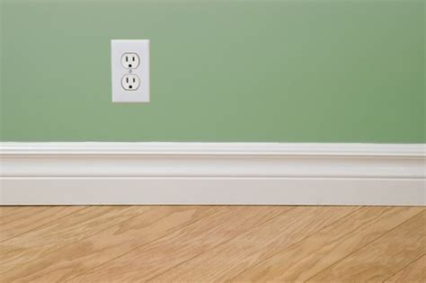 how to install wood floor without removing baseboards removing the baseboard before hardwood installation