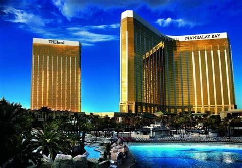 best hotel casino in vegas mandalay bay resort and casino las vegas hotel review
