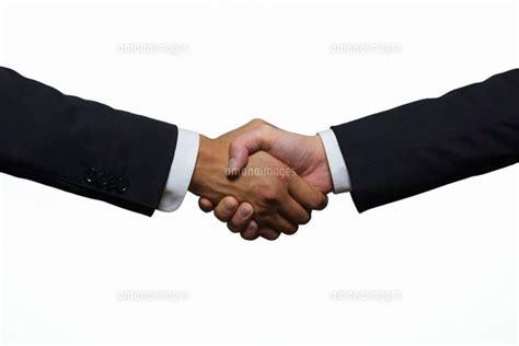 握手するビジネスマン 10250000228 写真素材 ストックフォト 画像 イラスト素材 アマナイメージズ