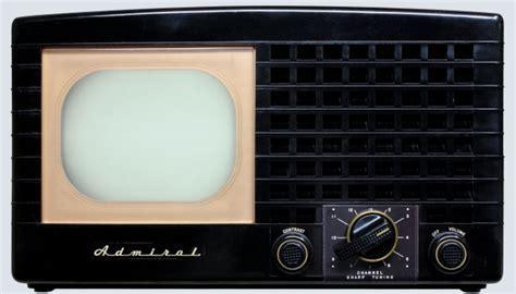 RadiolaGuy.com : Admiral Televison model 19A1; 19A11