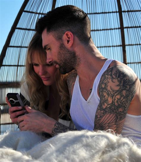 never gonna leave this bed chords adam levine and anne vyalitsyna filming a maroon 5 video
