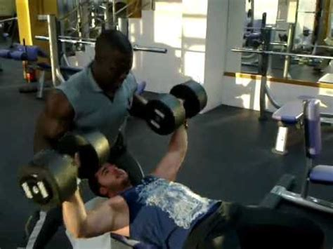 heaviest bench press ever كمال اجسام lifting the heaviest dumbbells in my gym 220