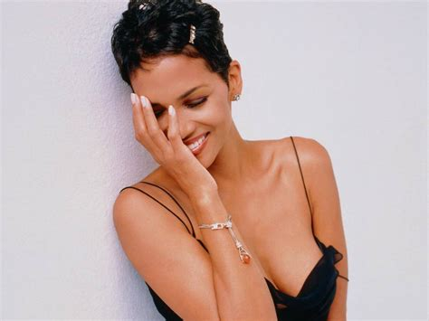 Halle Berry Obviously Not by Halle Berry S The Call Not Exactly The Of