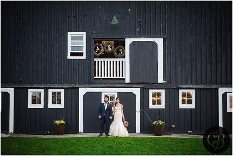 Top Barn Wedding Venues   Michigan ? Rustic Weddings