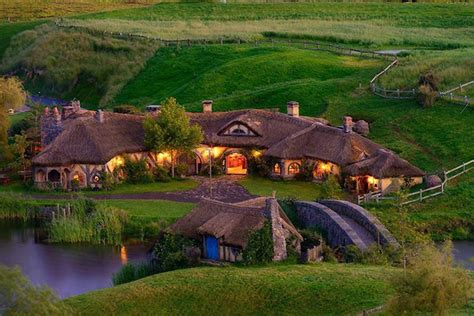 Hobbit Houses New Zealand | amazing hobbit house architecture interior design