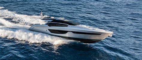 riva yacht competitors riva 76 perseo gagnant motor yacht awards 2017 ita