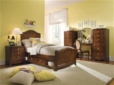 office equipments   purchase pennsylvania house bedroom furniture   reduced price