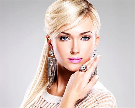 Harga Chanel Le Blanc Makeup Base fashion makeup artist mugeek vidalondon