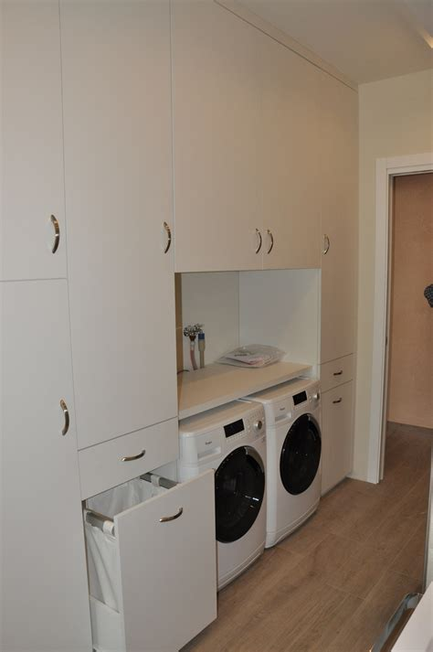 armadio lavanderia mobili per sottoscala armadio per sottoscala armadio per
