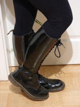 doc martens schwarz matt original doc martens stiefel schwarz lack 20 loch in