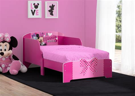minnie mouse wood toddler bed delta children s products
