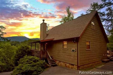 cabin   hill  pigeon forge cabin rental