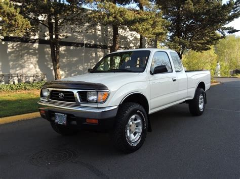 car maintenance manuals 1997 toyota tacoma electronic toll collection service manual 1997 toyota tacoma xtra remove outside front door handle service manual 1997
