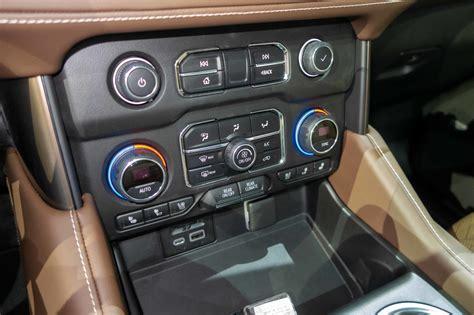 gmc rear entertainment system car wallpaper